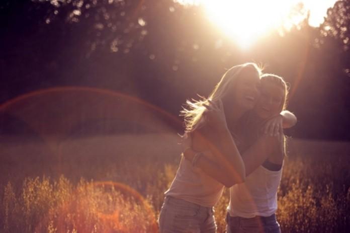 Πώς να καλλιεργήσουμε τους φιλικούς δεσμούς μας.   Άνθια Χριστοδούλου Θεοφίλου   Anthia.net