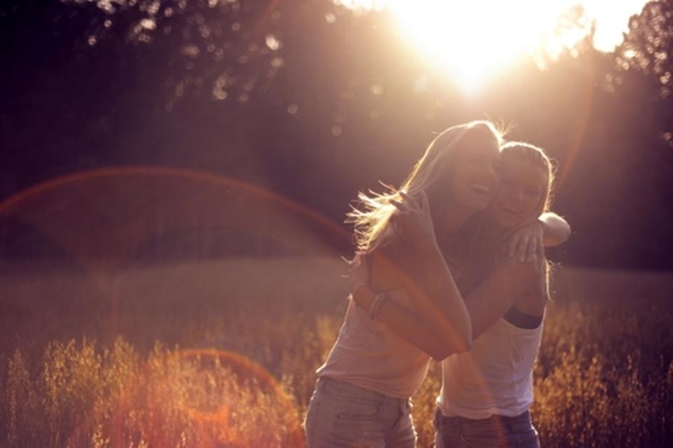 Πώς να καλλιεργήσουμε τους φιλικούς δεσμούς μας.