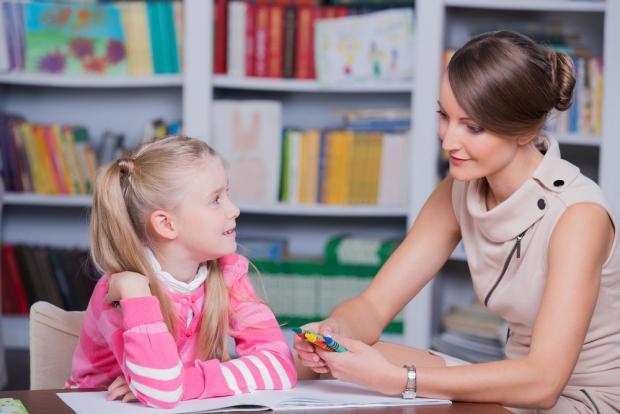 ΔΕΠΥ: Παιδοψυχίατρο ή ψυχολόγο/ψυχοθεραπευτή; Ποιόν διαλέγω και πότε; | Μάχη Κλεάνθους | Anthia.net